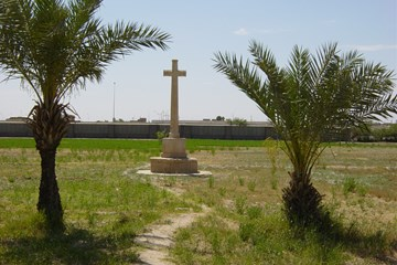 A Tour of Mesopotamian War Cemeteries in 2003
