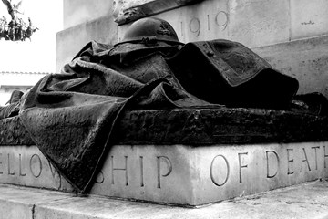 ONLINE: 'There is no mistaking a giant howitzer': the Royal Artillery War Memorial and the work of the veteran as sculptor.