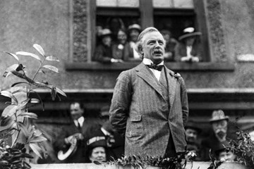 How Far was the Shells Crisis of 1915 Exploited by David Lloyd George for his own Political Gain?