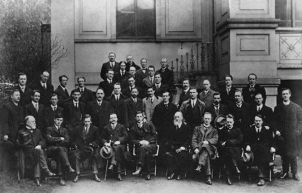Members of the First Dáil, 10 April 1919.